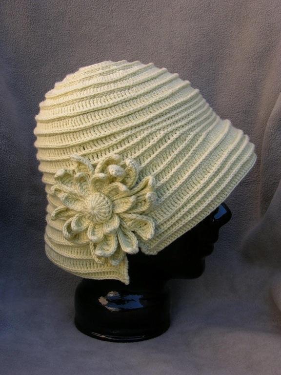 Элегантная вязаная шляпа