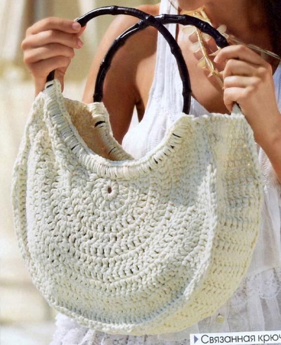 Белая вязаная сумка. Крючок.