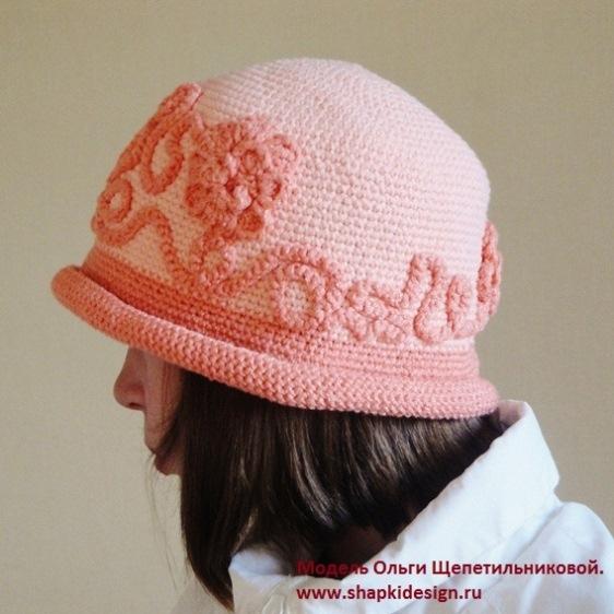 """Вязаная шляпа для девочки """"Очарование""""."""